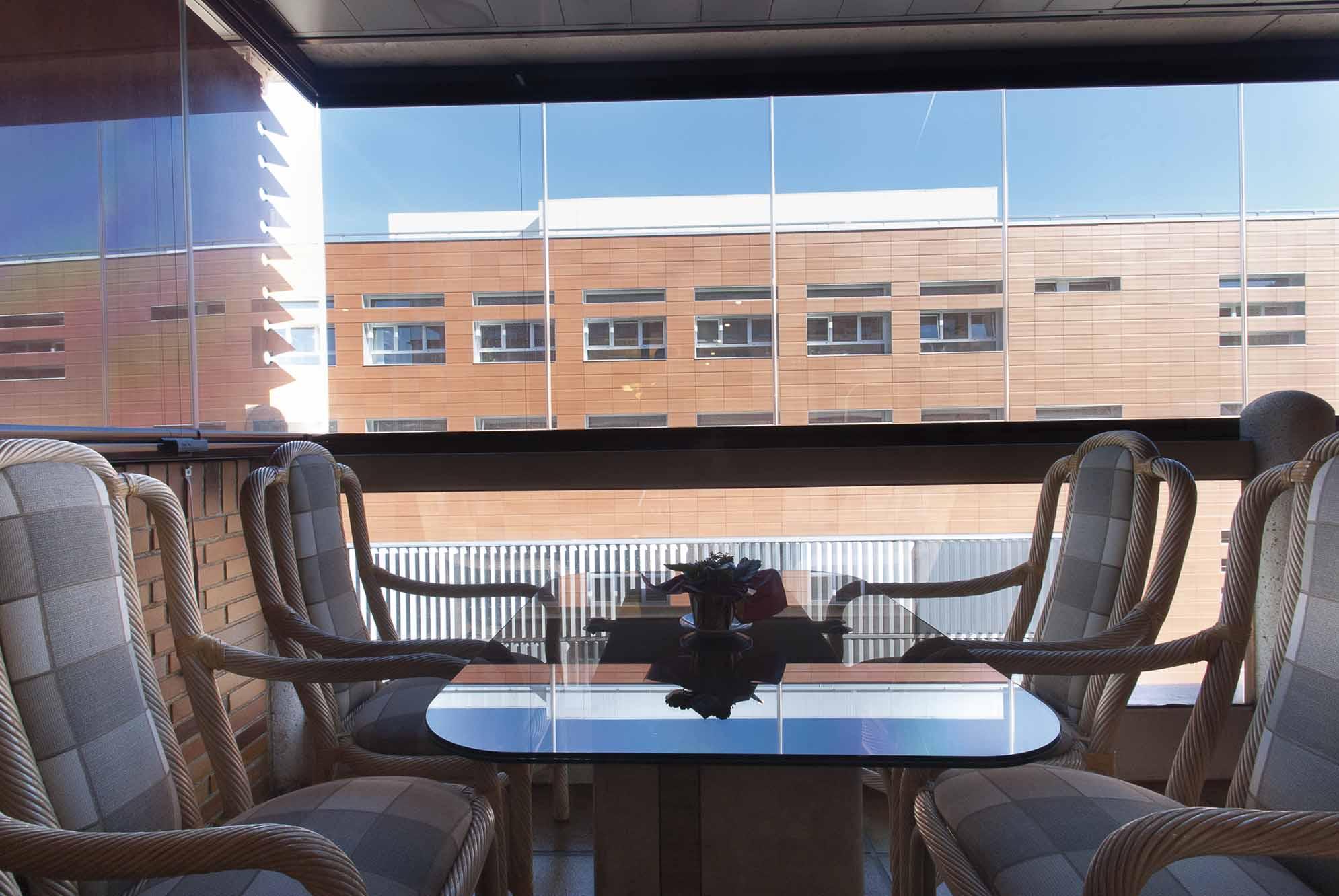 terraza-balcon-cerramiento-cortinas-cristal-lumon-2