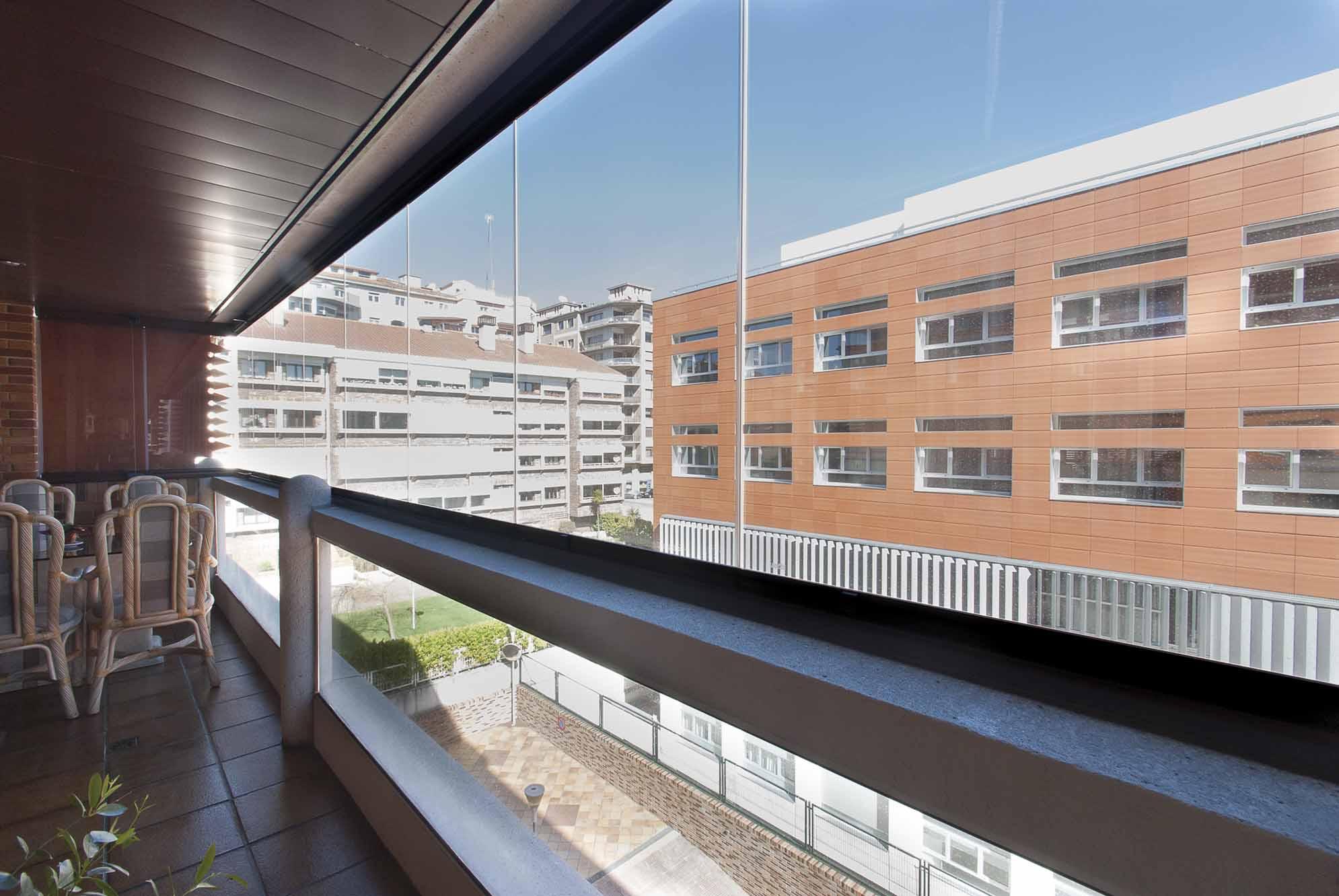 terraza-balcon-cerramiento-cortinas-cristal-lumon-4