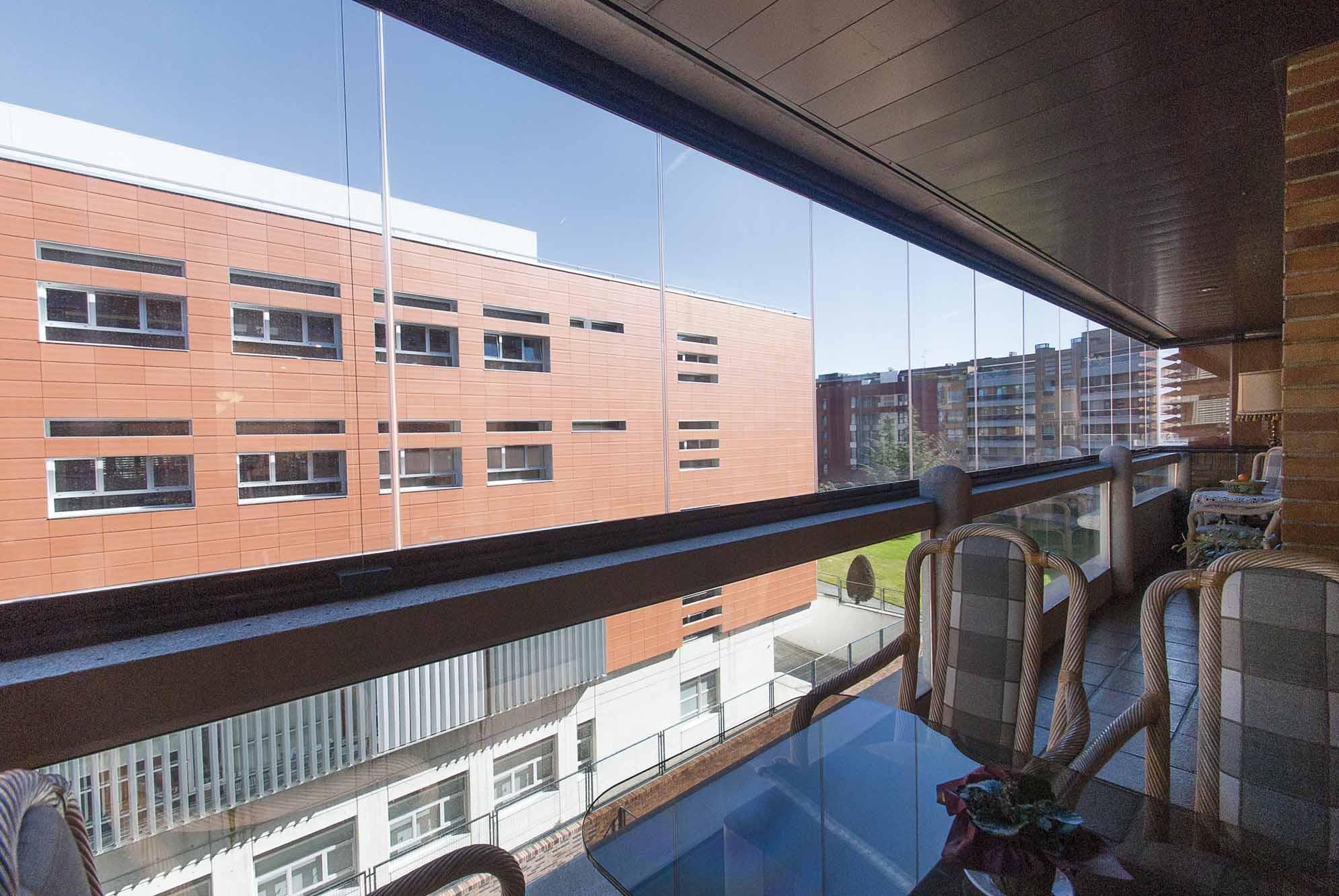 terraza-balcon-cerramiento-cortinas-cristal-lumon-6