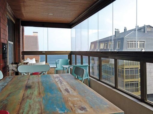 Cortina de cristal en una terraza de zarautz